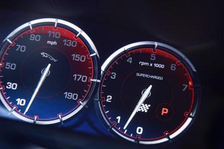 Oficial: Jaguar XJR
