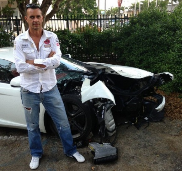 Destrozan un McLaren MP4-12C en Miami