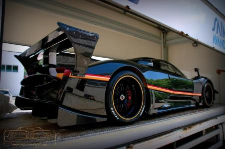 Pagani entrega el primer Zonda R Evolution a su propietario