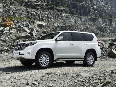 toyota-land-cruiser-2014-13