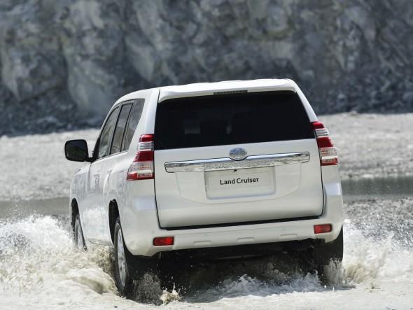 Toyota Land Cruiser 2014, nueva cara para el todoterreno nipón