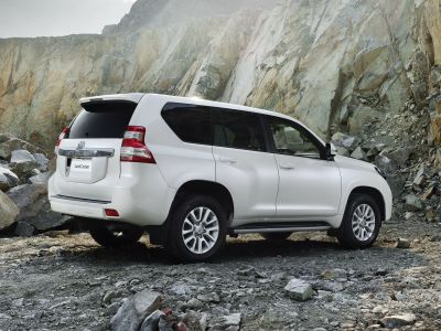 toyota-land-cruiser-2014-9