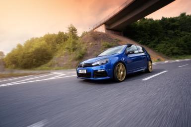 Volkswagen Golf R por Alpha-N