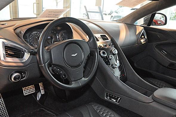 Aston Martin Vanquish a la venta 2
