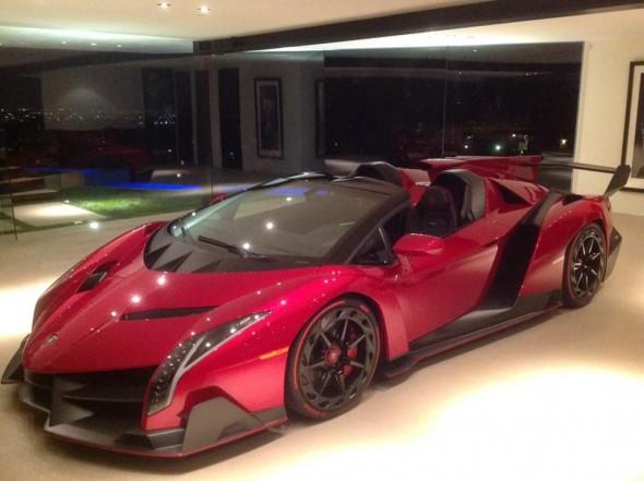 El primer Lamborghini Veneno Roadster se deja ver en Los Ángeles 1