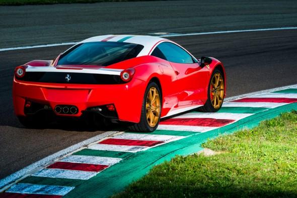 Ferrari nos muestra su peculiar homenaje a Niki Lauda 3