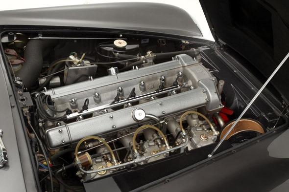 A la venta un Aston Martin DB6 Vantage Shooting Brake de 1967 6
