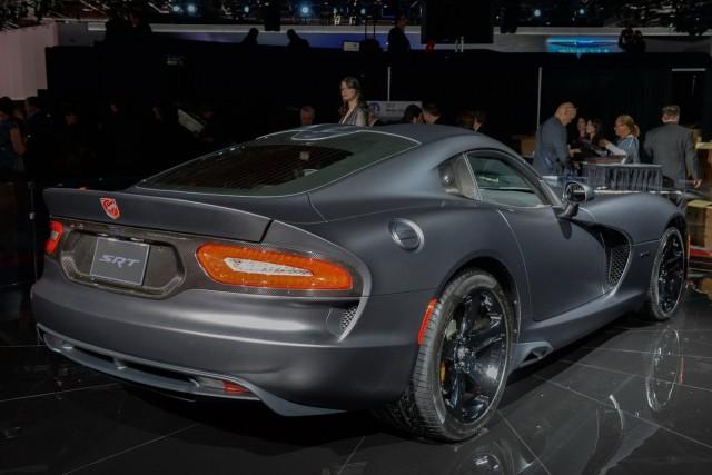 No se debe comparar un Viper con un Corvette, según Ralph Gilles