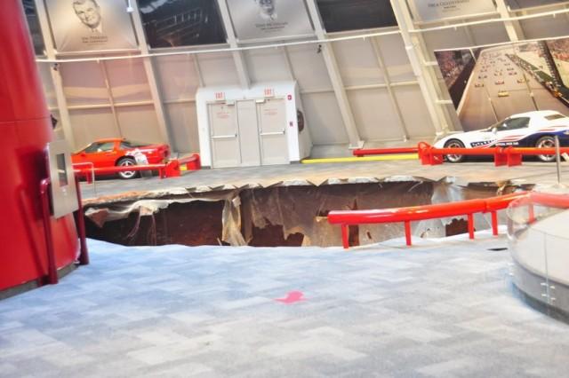 Un hundimiento de tierra en el museo oficial de Corvette causa importantes daños 1