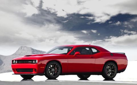 Dodge-Challenger-SRT-Hellcat-1