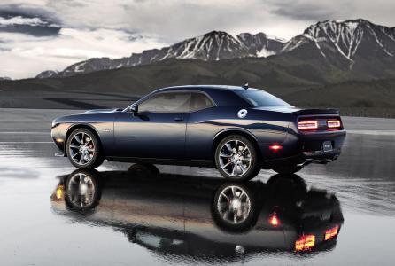 Dodge-Challenger-SRT-Hellcat-9