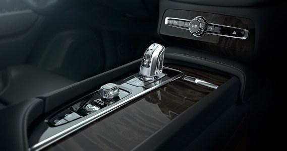 Volvo-XC90-2014-19