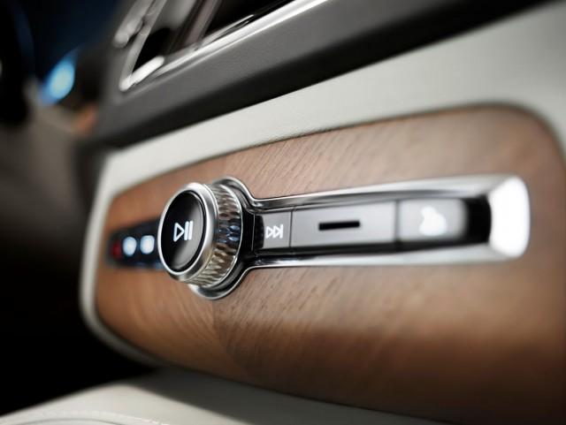 Primer vistazo al Volvo XC90 2015 3