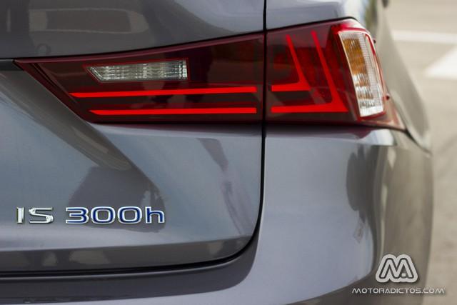 Prueba: Lexus IS 300h híbrido (equipamiento, comportamiento, conclusión) 8