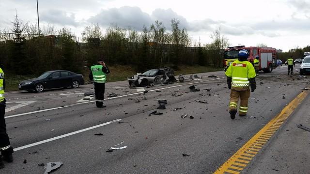 Terrible accidente entre un Corvette y una Dodge Ram en Noruega 3