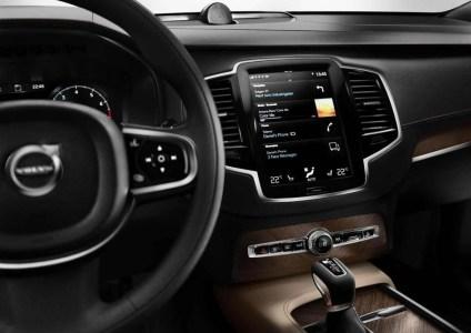 Volvo-XC90-2015-18