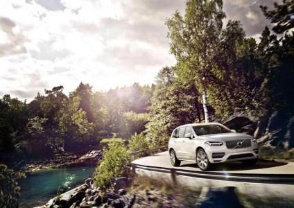 Volvo-XC90-2015-21