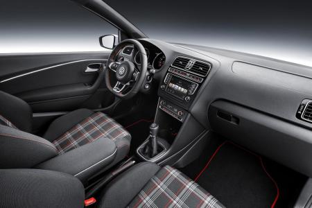2015-Volkswagen-Polo-GTI-17