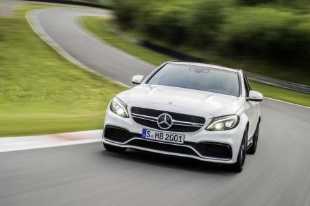 Mercedes-C63-AMG-10