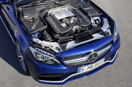 Mercedes-C63-AMG-32