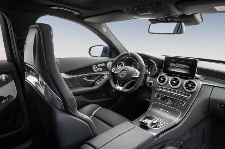 Mercedes-C63-AMG-40