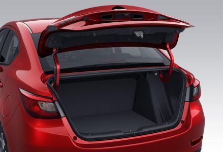 Mazda2-Sedan-3