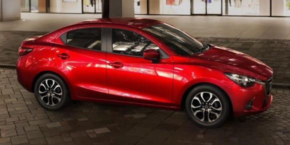 Mazda2-Sedan-9