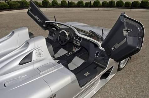 A la venta uno de los seis Mercedes CLK GTR Roadster fabricados