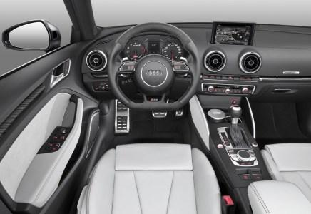 Audi-RS3-Sportback-2015-16