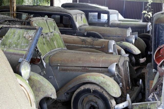 Se encuentra una colección de 100 coches clásicos en una granja de Francia 3