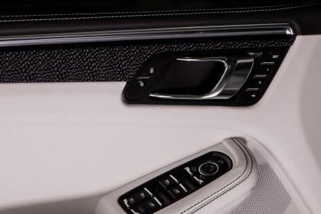 Un interior más exclusivo para tu Porsche Macan gracias a TechArt