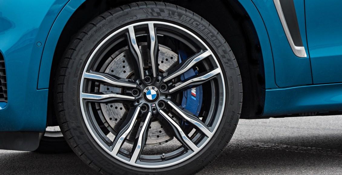 2015-BMW-X6M-114