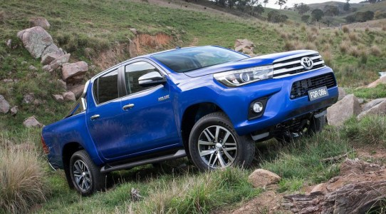 Toyota-Hilux-2016-5