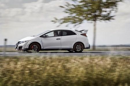 2015-Honda-Civic-Type-R-20