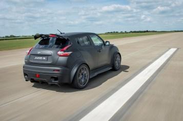 Nissan Juke-R 2.0: Motor de GT-R Nismo con 600 CV para el Juke menos racional