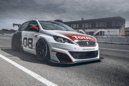 peugeot-308-racing-cup-turns-on-the-horsepower-tap-in-frankfurt-with-16-liter-turbo-mill_10