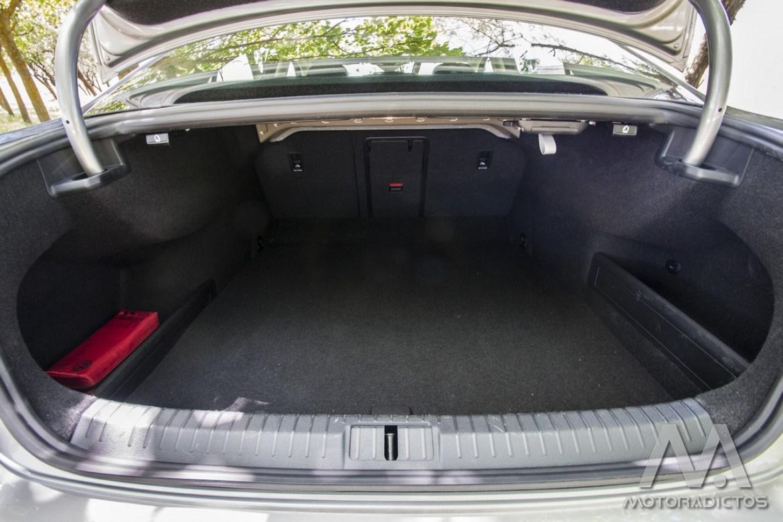 Prueba: Volkswagen Passat 2.0 TDI 150 CV Sport (diseño, habitáculo, mecánica) 8