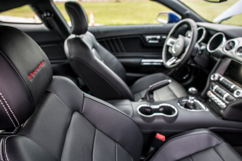 Hennessey Mustang HPE750: Cuando unes potencia y fibra de carbono salen estos resultados 3