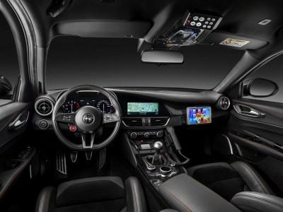 Alfa-Romeo-Giulia-QV0Police-20