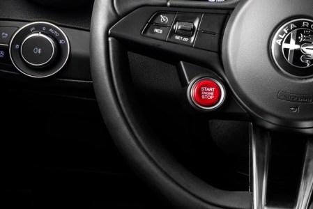 Alfa-Romeo-Giulia-QV0Police-22