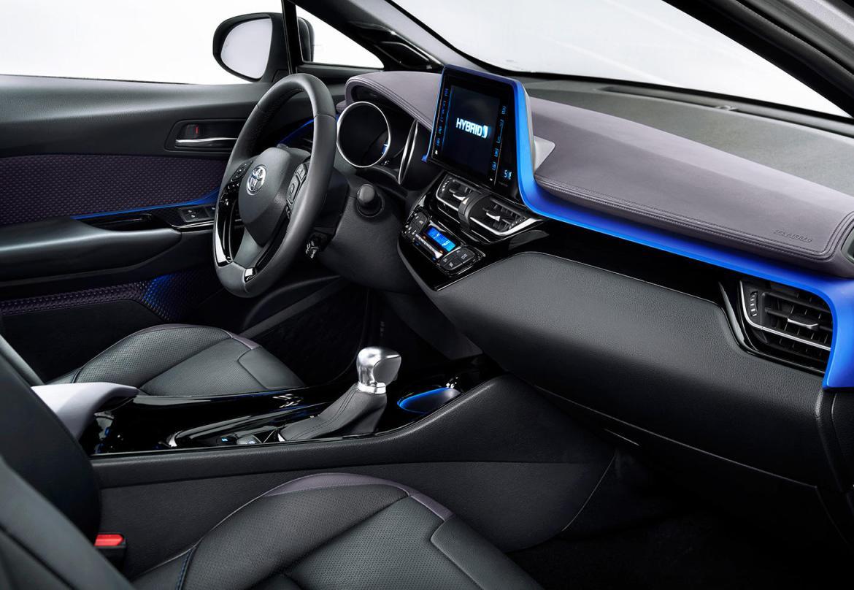 Así es el interior del crossover Toyota C-HR: Una disposición atrevida 6