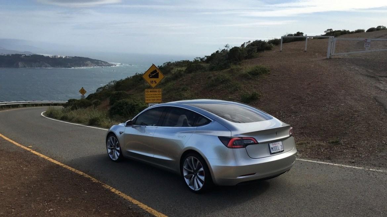 Nuevas fotos oficiales del Tesla Model 2