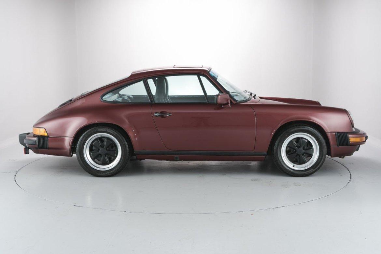 ¿Quieres un Porsche 911 Carrera 3.2 Coupé de la generación 930 casi nuevo? Prepara 100.000 euros... 1