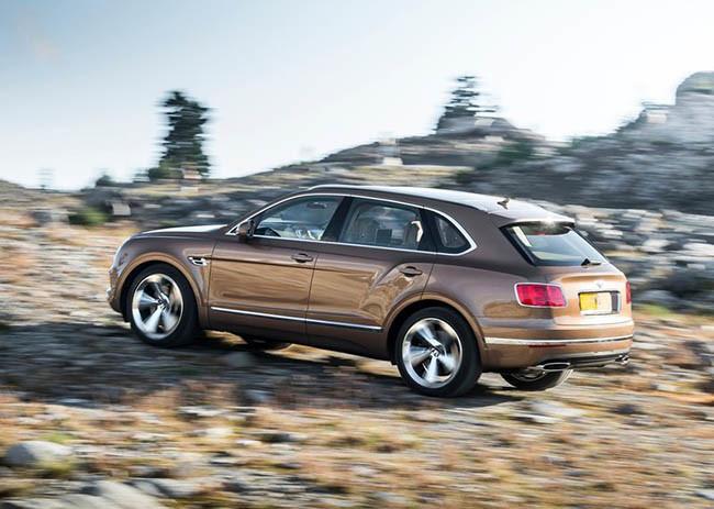 El Bentley Bentayga podría introducir una variante diésel con el motor del SQ7 TDI 1