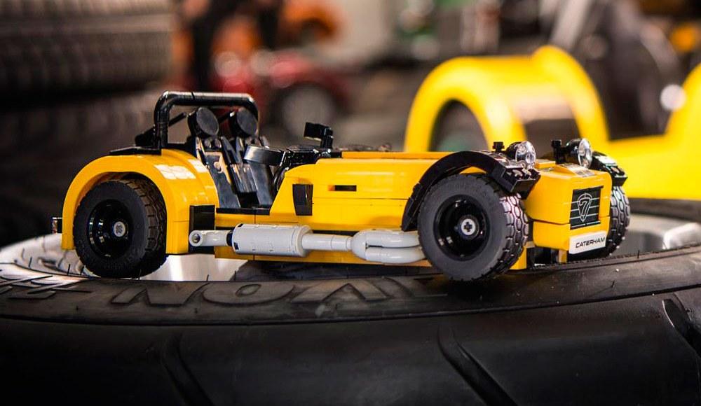 lego-caterham-620r