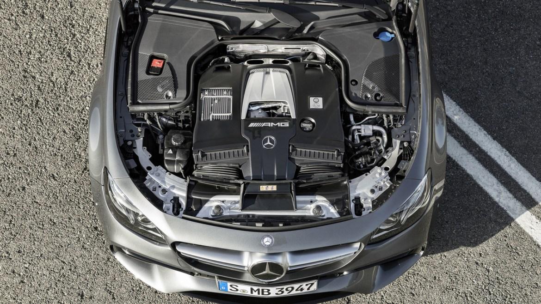 2017-mercedes-amg-e63-sedan-3