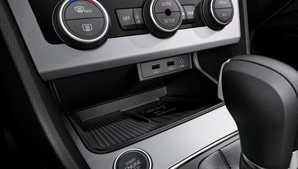 SEAT León 2017: Ahora con el 1.6 TDI de 115 CV y estética renovada 6