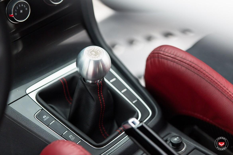 Este Volkswagen Golf bautizado como GTI RS es posiblemente uno de los GTI más brutos del mundo