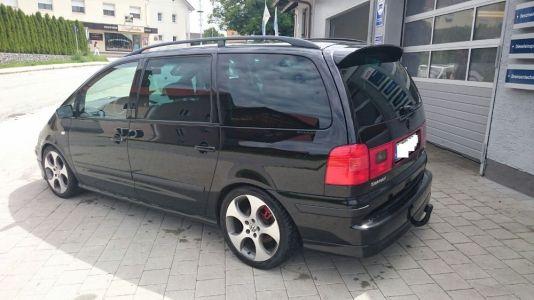Este Volkswagen Sharan Turbo de 450 CV es el sleeper definitivo: Puede ser tuyo por 11.690 euros...