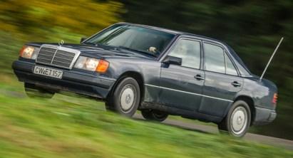 ¿Cuánto cuesta el mantenimiento de un Mercedes Clase E de 1992 tras un millón de kilómetros? A su propietario, 57.000 euros